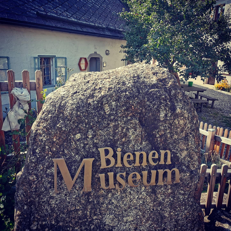 Bio Imkerei Bramreither - Mühlviertel - Rohrbach - Helfenberg - Penning - Faszination Biene - Bienenwanderweg - Zwettl an der Rodl - Urfahr Umgebung - Bienenmuseum